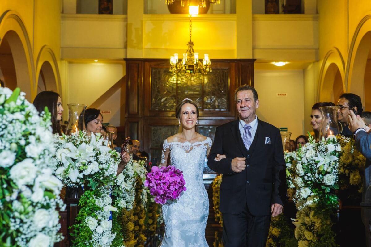 Noivas sonham em fazer seu casamento na Igreja São José do Jardim Europa